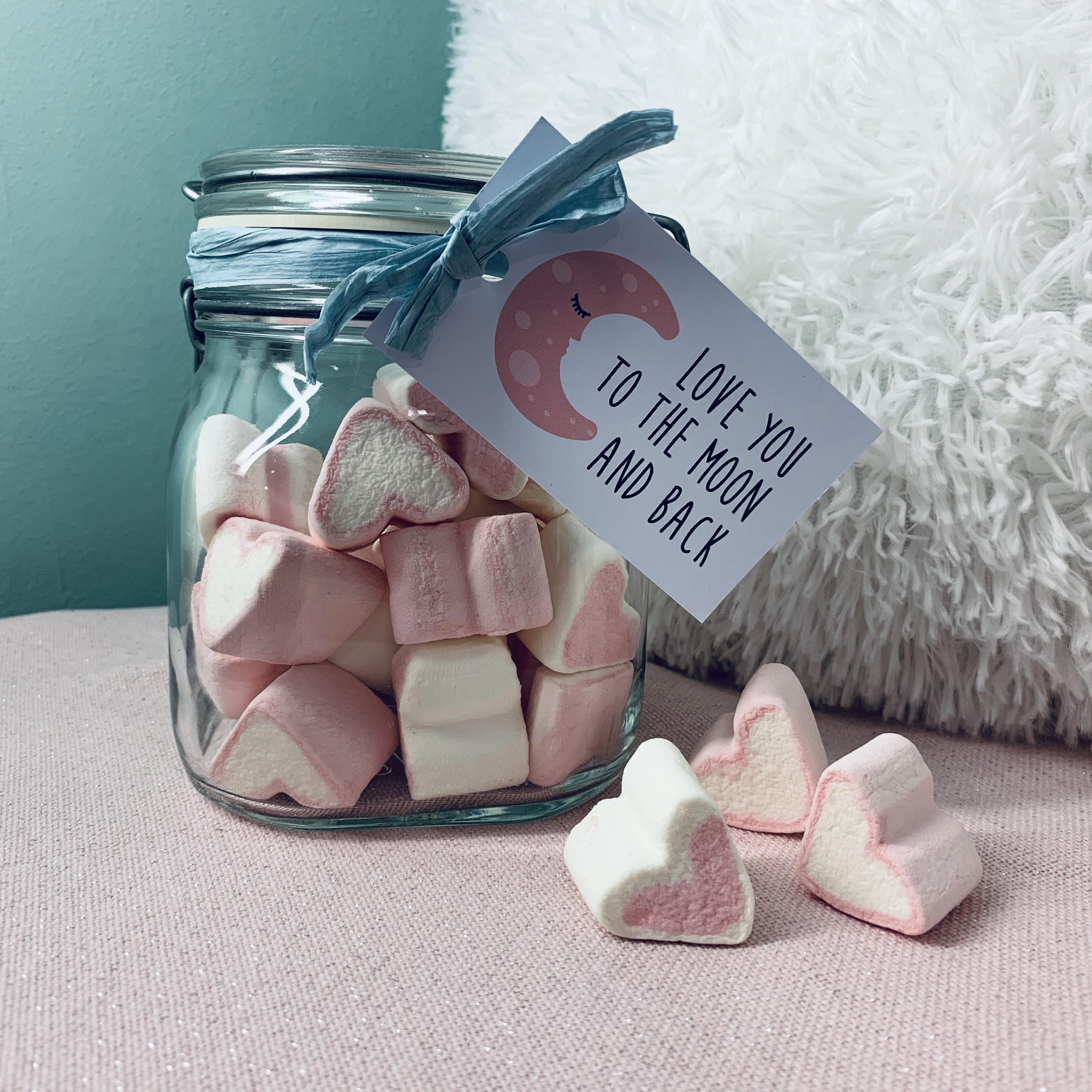 Marshmallows im Glas zum Valentinstag