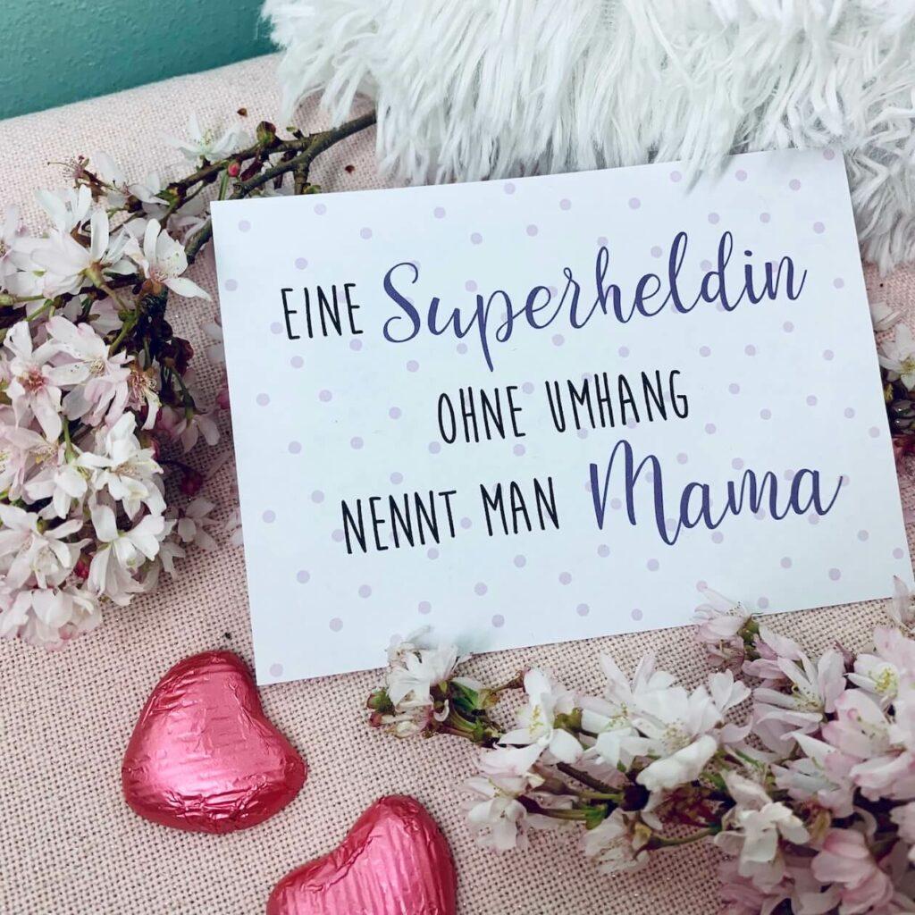 Muttertagskarte - Eine Superheldin ohne Umhang nennt man Mama