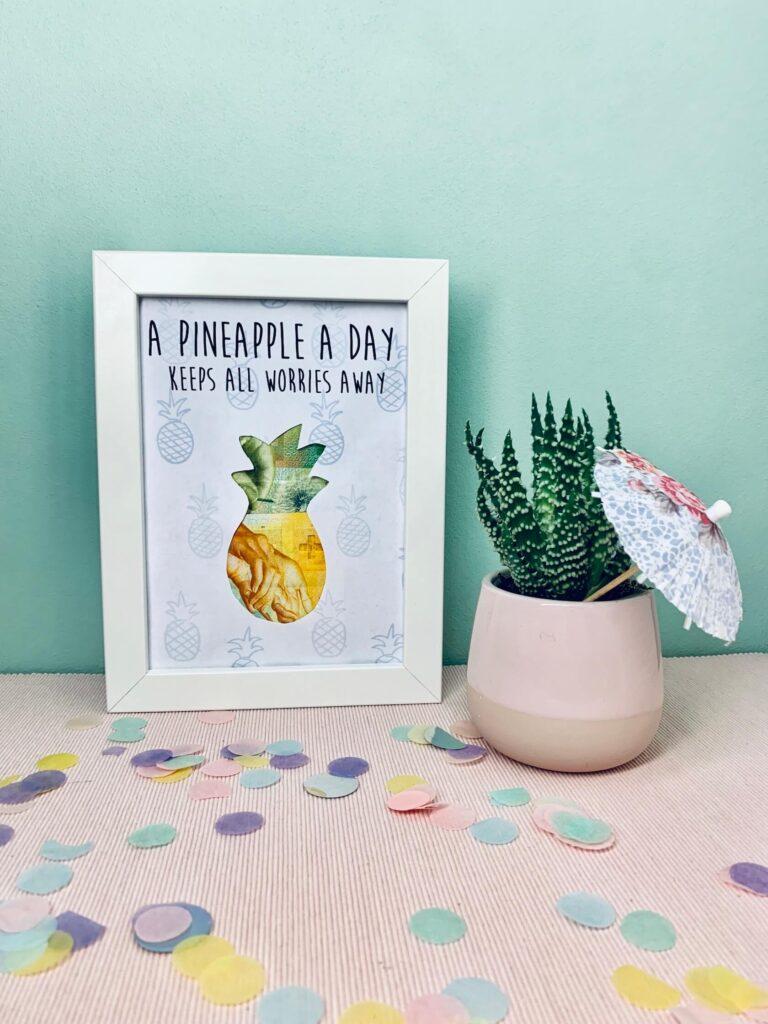 Geldgeschenk Ananas im Bilderrahmen mit Kaktus Hochformat