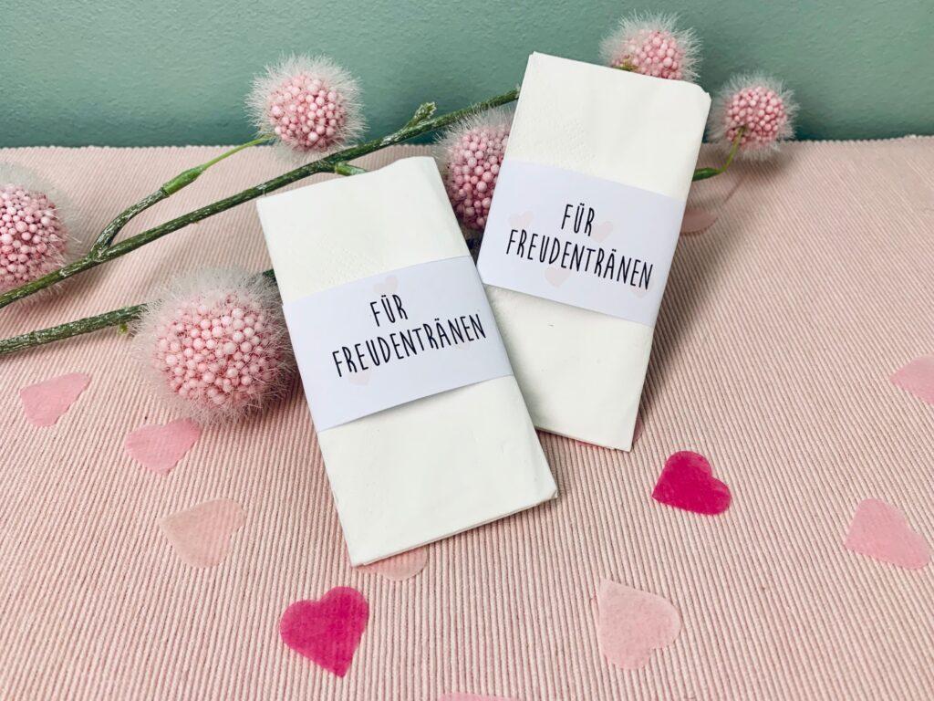 Freudentränen Taschentücher mit Konfetti Herzen für die Hochzeit