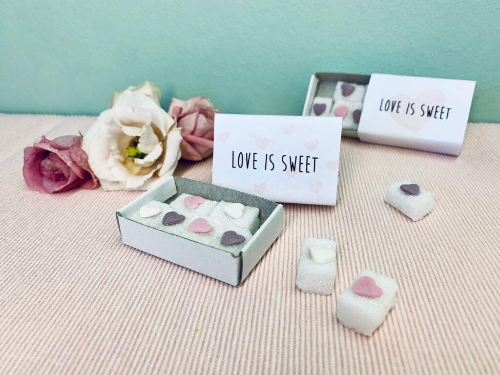 Zuckerherzen als selbstgebasteltes Hochzeit Gastgeschenk