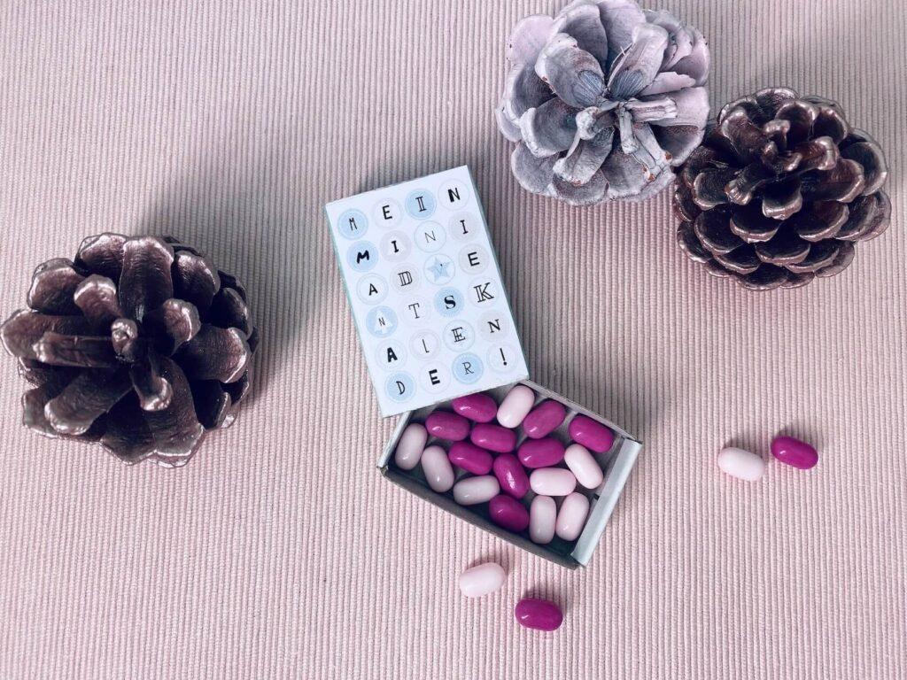 Mini Adventskalender aus Streichholzschachtel