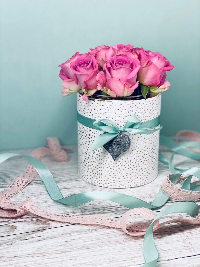 fertige Blumenbox mit Rosen