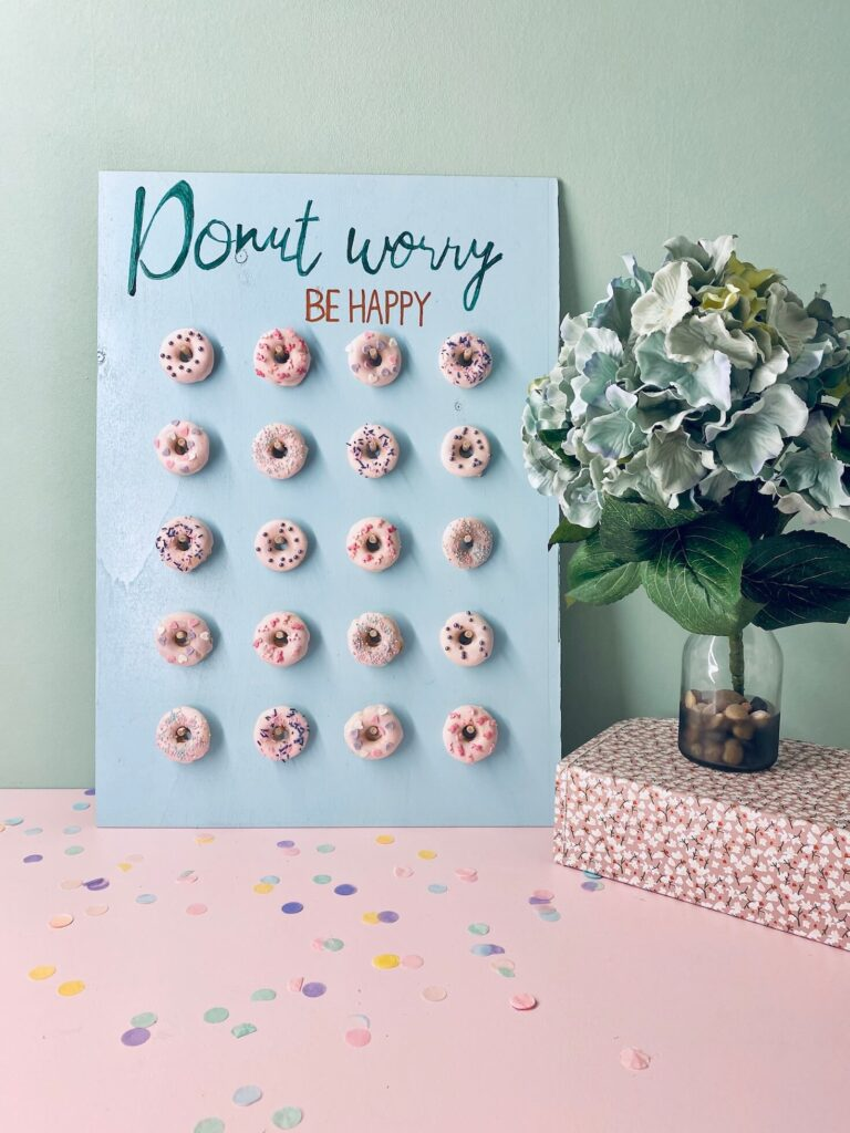 selbstgemachte Donut Wall