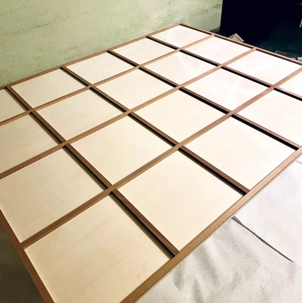 DIY Spiegel Industrial Holzlatten anbringen