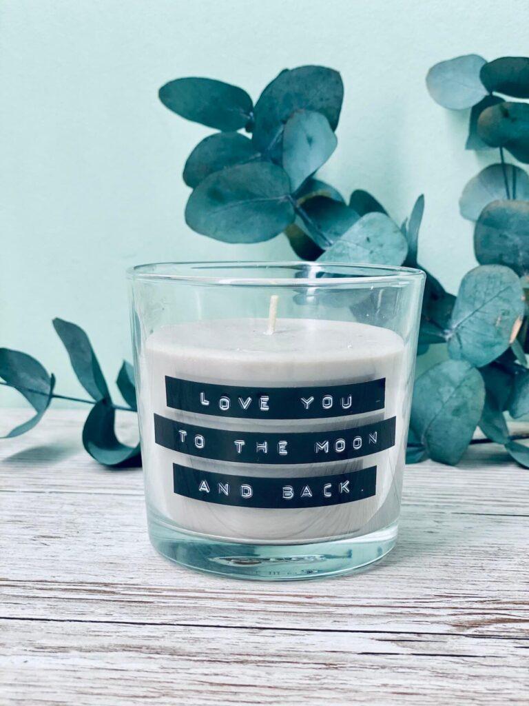 schnelles Valentinstaggeschenk Kerze etikettieren