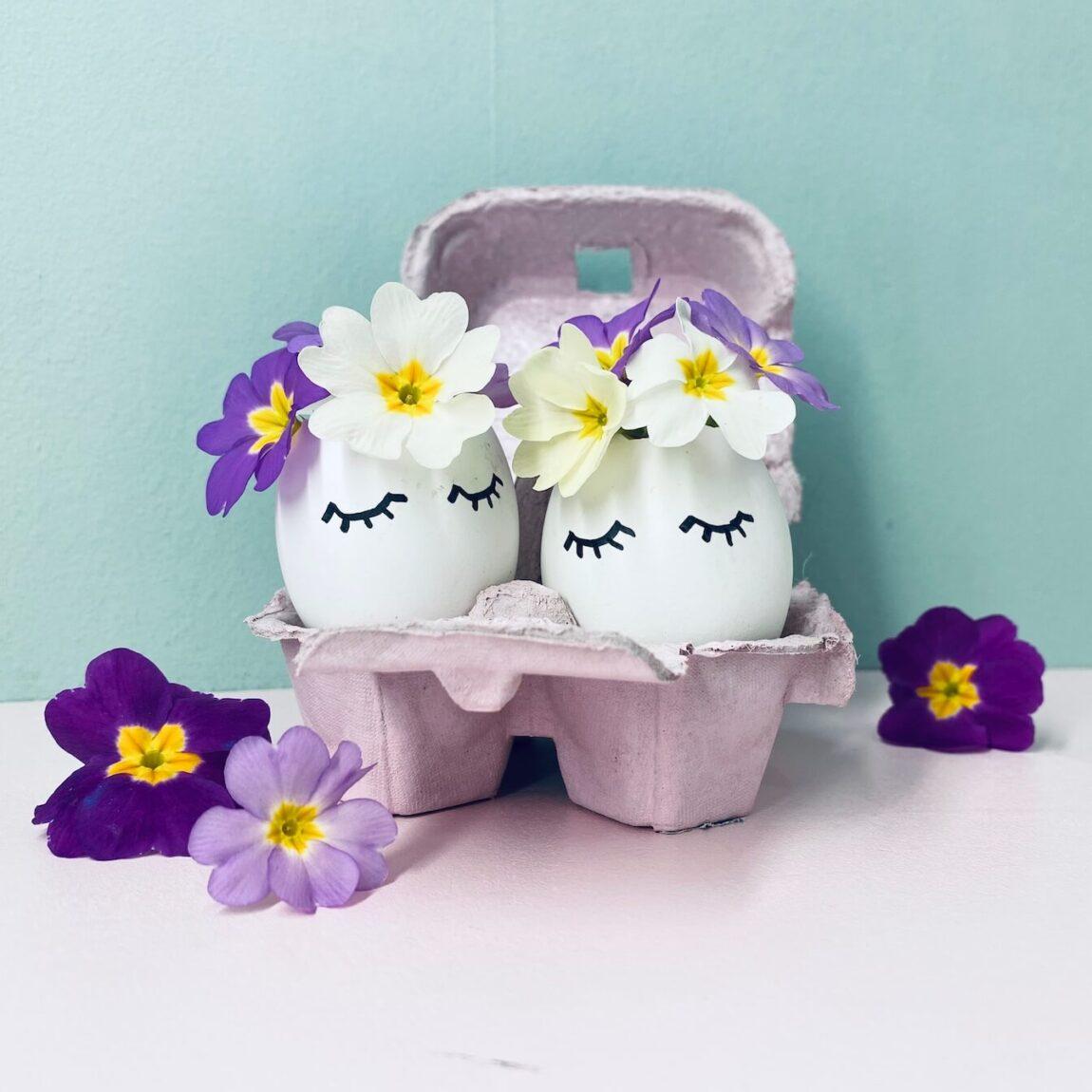 Ostereier mit Blüten