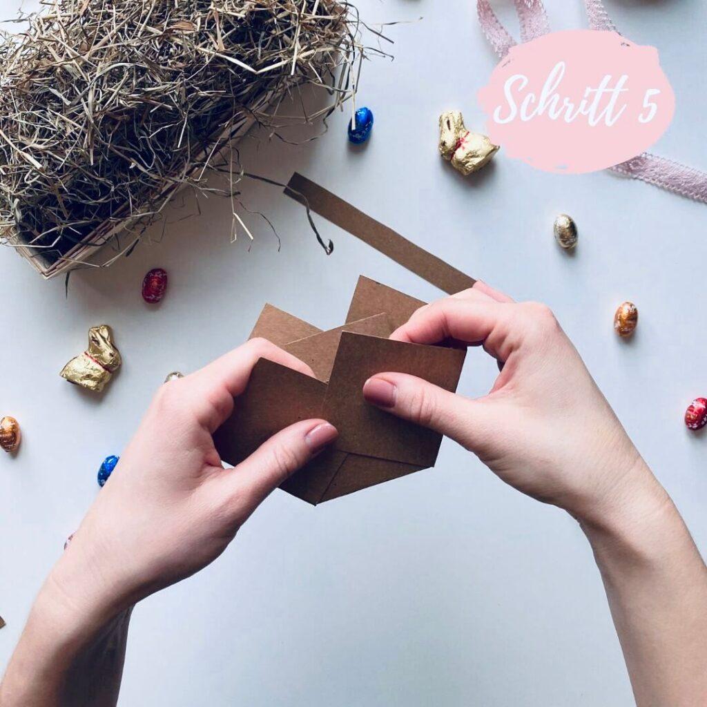 Schritt 5 - Osterkörbchen aus Papier selber basteln