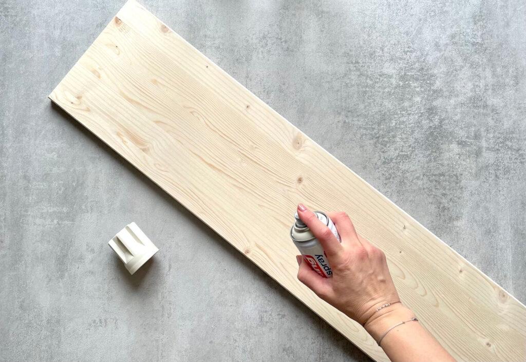 Holz besprühen